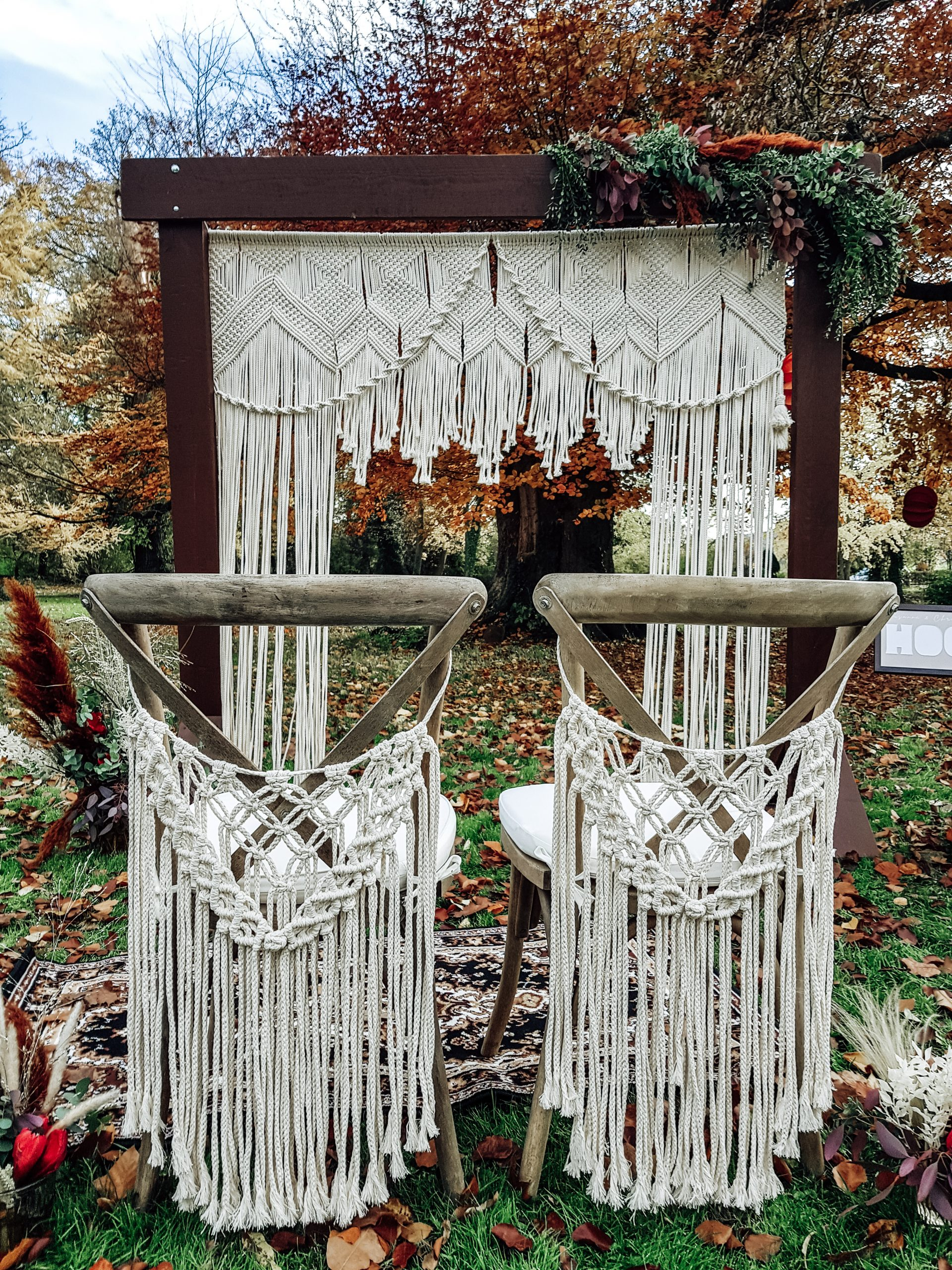 Crossback Stühle mieten bei Love Events